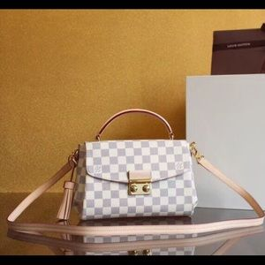 $300 Louis Vuitton bag